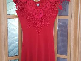 Parduodu labai grazia rauduona suknele S/m dydzio