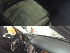 Cheminis automobilio salono valymas