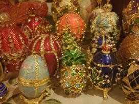 Parduodu Faberge kiaušinius kaina nuo 40 eurų.
