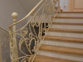 Kalto metalo laiptų turėklai, balkonai ir kita