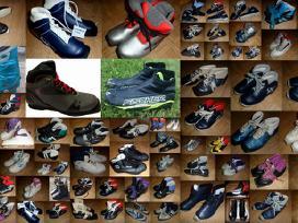 Pigios lygumų slidės, batai, lazdos