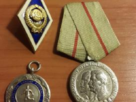 Ženkliukas ir medaliai