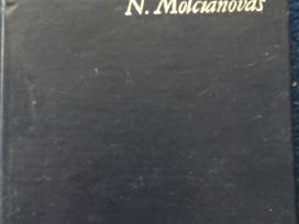 Knygos biografijos