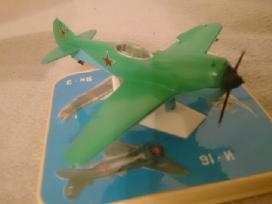 Kolekciniai lėktuvų modeliai 1:72