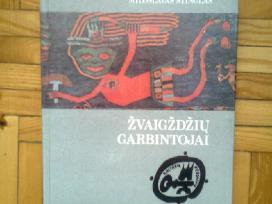 """Ivairios knygos is serijos """" Kulturu Pedsakais"""""""