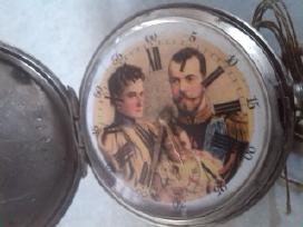 Kiseninis laikrodis su caro nikolajaus seima