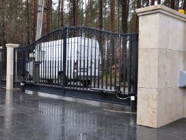 Atveriamų, stumdomų kiemo vartų automatikos