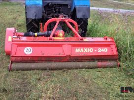 Smulkinimas Traktorium šienauju ir smulkinu pievas