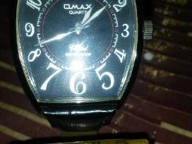 Omax moteriskas laikrodis