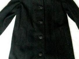 Vilnonis juodas paltas