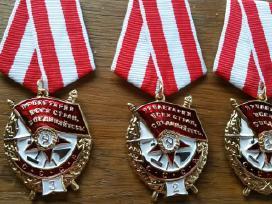 Parduodu kelis medalius ir ordinus kainos po 15 eu