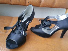 Skubiai!parduodu geros bukles drabuzius ir avalyne