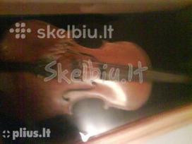Antikvarinis 1876 m. smuikas kaina 3000 eurų.