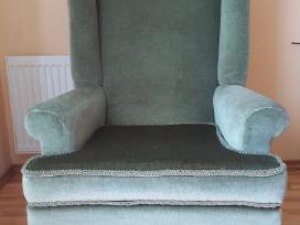Žalias antikvarinis fotelis