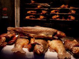 Šviežiai rūkyta žuvis, ausys, sūriai!