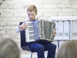 Muzikuoju nuo šešerių
