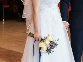 Vienetinė skaisčiai balta vestuvine suknelė