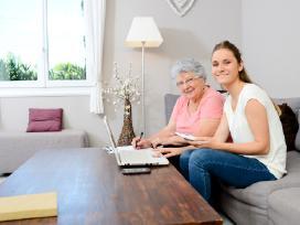 Senelių priežiūra namuose