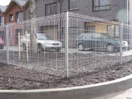 Segmentinės tvoros, vartai, varteliai