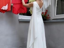 Ilga romantiška vestuvinė suknelė