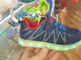 Led svieciantys batai