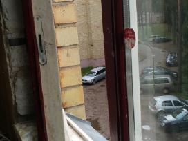 Geros būklės 2 mediniai su stiklo paketu langai