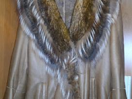Lengvi avikailio kailiniai su prabangia apykakle