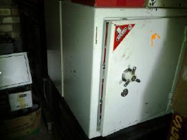 Konteineris, garažas, seifas iš 8 m.m. ir kita.