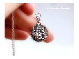 Dovanos krikstynoms-medalionas