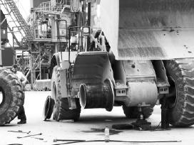 Mobilus industriniu krautuvų padangų montavimas - nuotraukos Nr. 3