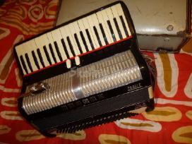 Itališkas akordeonas urnzis verona casale
