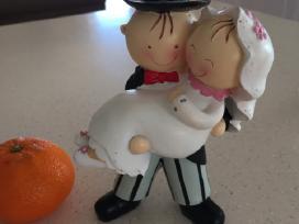 Torto figurėlė arba stalo dekorui