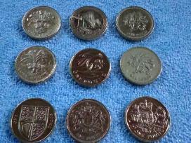 1 funtas Uk vnt. 4 eur.
