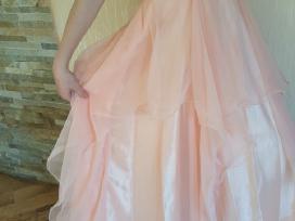 Daug proginių suknelių
