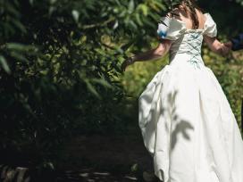 Iš Guns N Roses klipo vestuvinė suknelė - nuotraukos Nr. 5