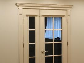 Durų gamyba. Juodalksnio uosio ąžuolo masyvo durys