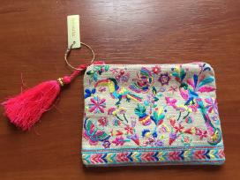 Accessorize delninuke, pinigine