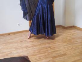 St šokių suknelė ir nauji bateliai