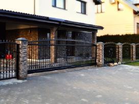Kiemo vartai ir pakeliami garažo vartai