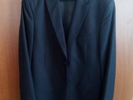 Klasikinis vyriškas kostiumas