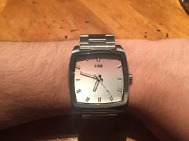 Storm Hype vyriskas laikrodis uz puse kainos.