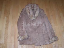 Labai geros būklės keli devėti paltai.