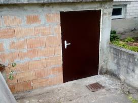 Kokybiškos plieninės sandėliukų durys, turėklai