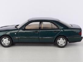 1/43 modeliukai MB E-class E320 Elegance W210