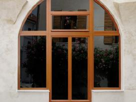 Mediniai langai, durys ir kiti stalių gaminiai - nuotraukos Nr. 2
