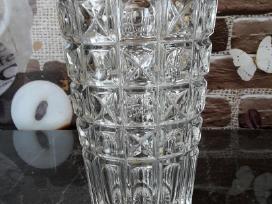 Parduodu čekiško krištolo vazą gėlėm