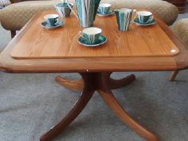 Art deco stiliaus stalas