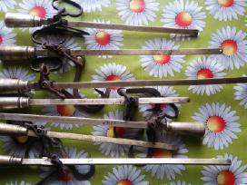 Žalvariniai - bronziniai bezmenai