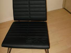 """Prabangi danų """"Innovation"""" kėdė"""