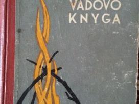 Pirmoji būrio vadovo knyga.